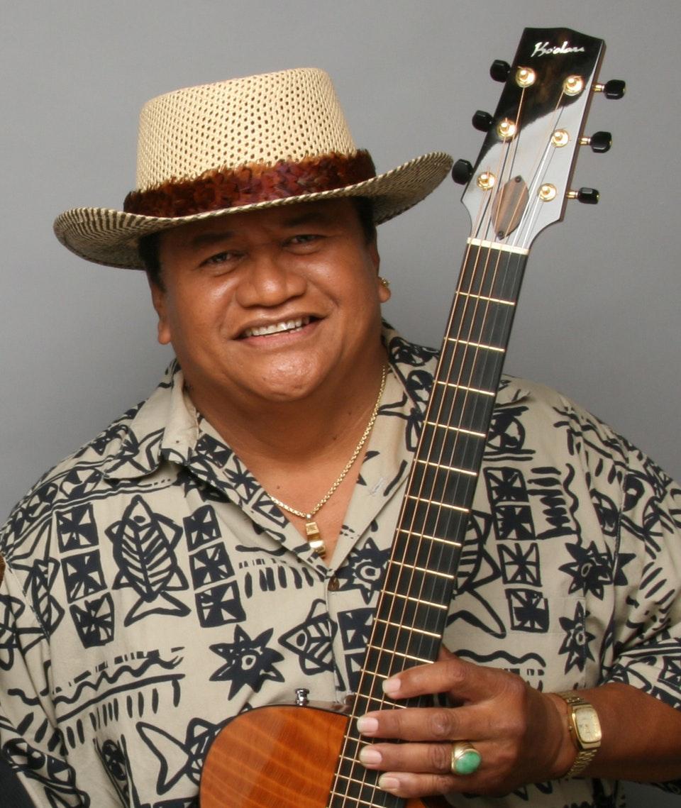 レッドワード・カアパナ/Ledward Kaʻapana